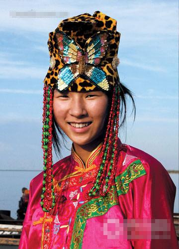 赫哲族少女   当地特色:   渔猎部落:赫哲族是中国56个少数...