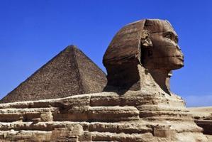 埃及、阿联酋9晚10日二国连线游(A380客机,埃及5星酒店,红海迪拜自由活动,吉萨金字塔群,埃及博物馆,红海自由活动★★★★)