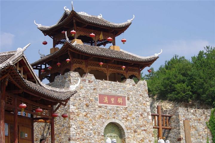 锦里沟旅游度假风景区,国家aaaa级景区,位于武汉市黄陂区北部蔡店