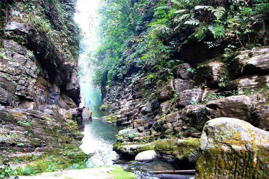 红石林国家地质公园 坐龙峡风景区 芙蓉镇介绍/费用