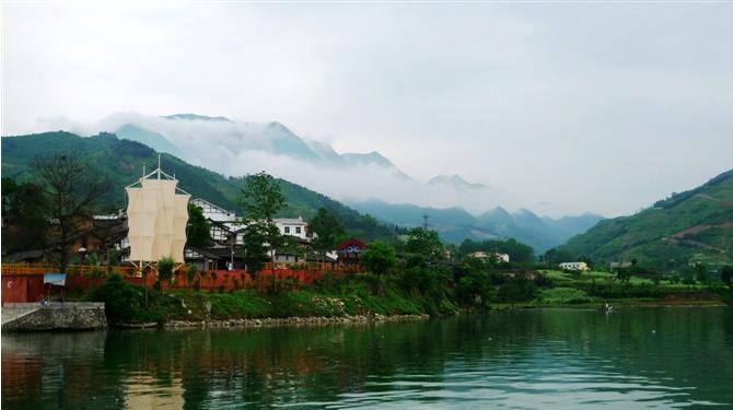 从陕西安康石泉县到湖北恩施自驾游路线如何规划