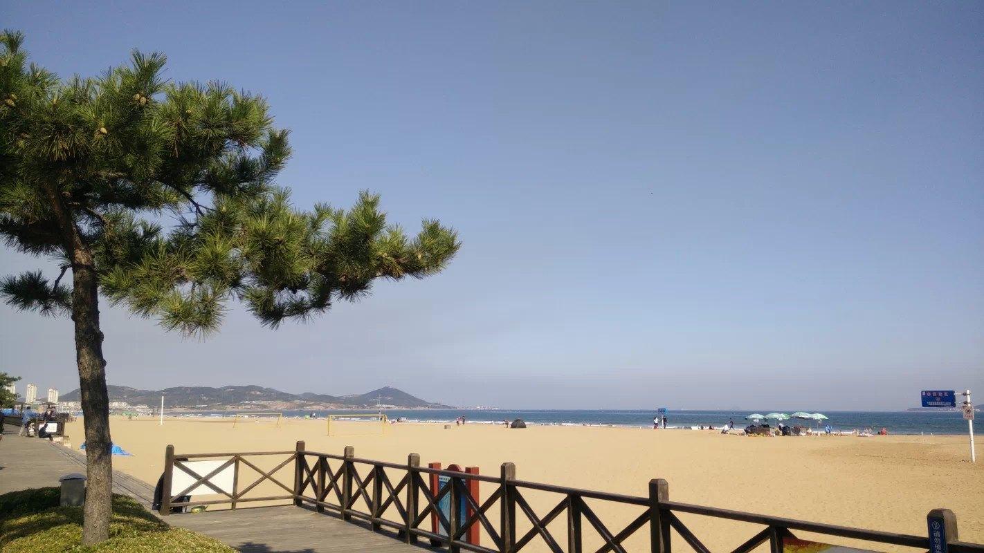 日照,青岛,金沙滩,南山,蓬莱,威海,烟台,大连,旅顺单飞单卧7日跟团游