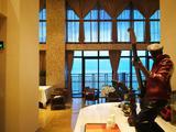 【3天2晚大东海高性价比之选】三亚柏瑞精品海景酒店特卖至尊全景房连住2晚+每日2大2小(1.2米以下)早餐+双人海景下午茶一份+双人海鲜晚餐一份或双人帆跃城堡套餐二选一+出游日期免费更改一次